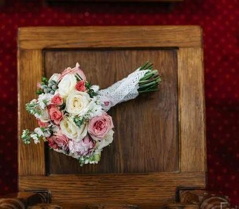 Bukiety i biżuteria ślubna
